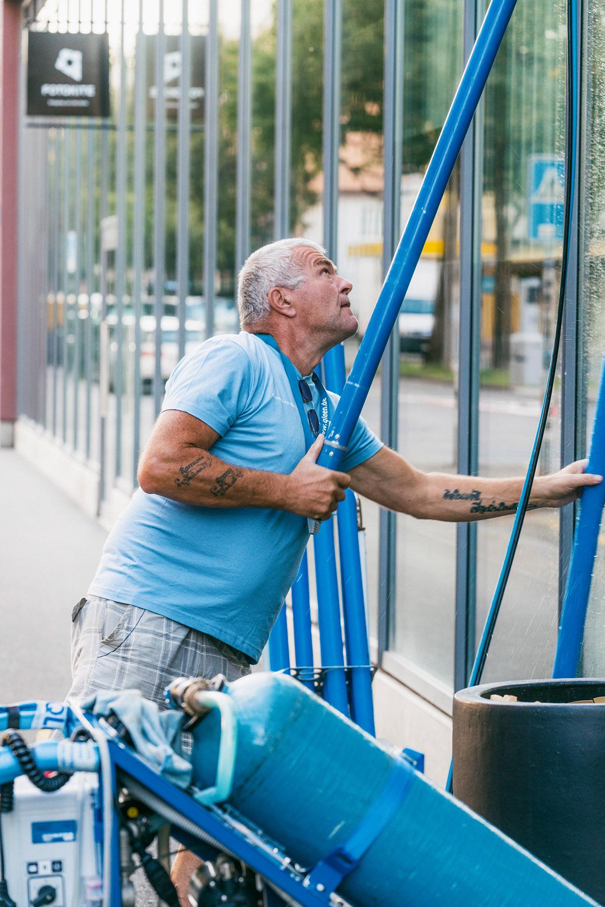 Reinigung von grossen Glasfronten und Schaufenstern in Zürich, Luzern, St. Gallen, Thurgau